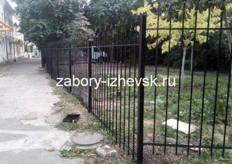 изготовление забора из профильной трубы в Ижевске